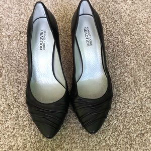 🛍Kenneth Cole Black Leather Pumps